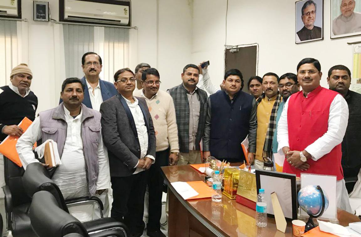 Photo of बिहार के मंत्री ने डीसीसीबी के नवनिर्वाचित अध्यक्षों से की मुलाकात