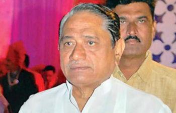 Photo of महाराष्ट्र मंत्रीनेअमूल से डेयरी चलाने में मदद का किया आग्रह