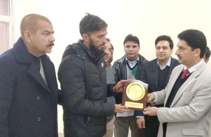 Photo of जम्मू कश्मीर पैक्स एनसीडीसी पुरस्कार से सम्मानित
