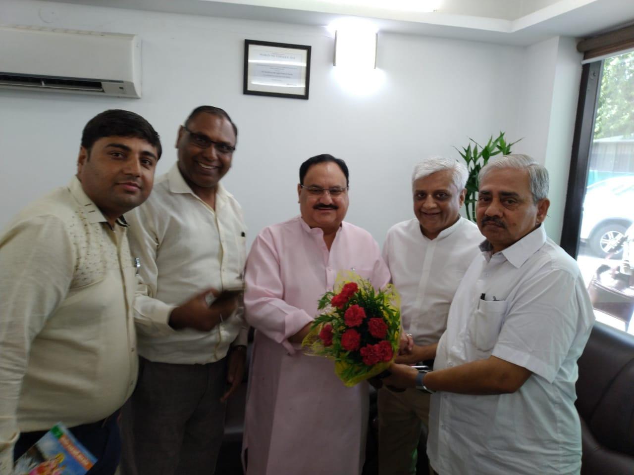 Photo of मेहता ने भाजपा के नए कार्यकारी अध्यक्ष से मुलाक़ात की