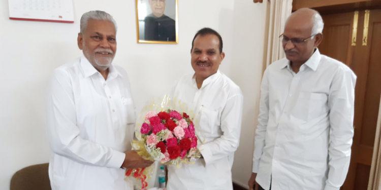 Photo of एनसीयूआई अध्यक्ष ने दी रुपाला को बधाई