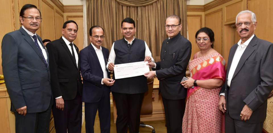 """Photo of बाढ़ पीड़ितों की मदद: सीएम ने सारस्वत बैंक का किया """"धन्यवाद"""""""