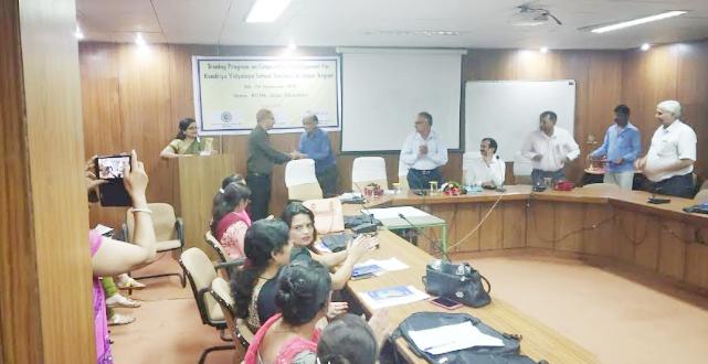 Photo of एनसीयूआई ने केन्द्रीय विद्यालय के शिक्षकों को सहकारिता का पढ़ाया पाठ