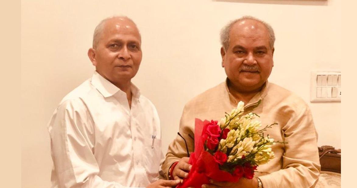 Photo of कुमार ने इफको के नीम अभियान और ऑर्गेनिक खेती पर तोमर को दी जानकारी