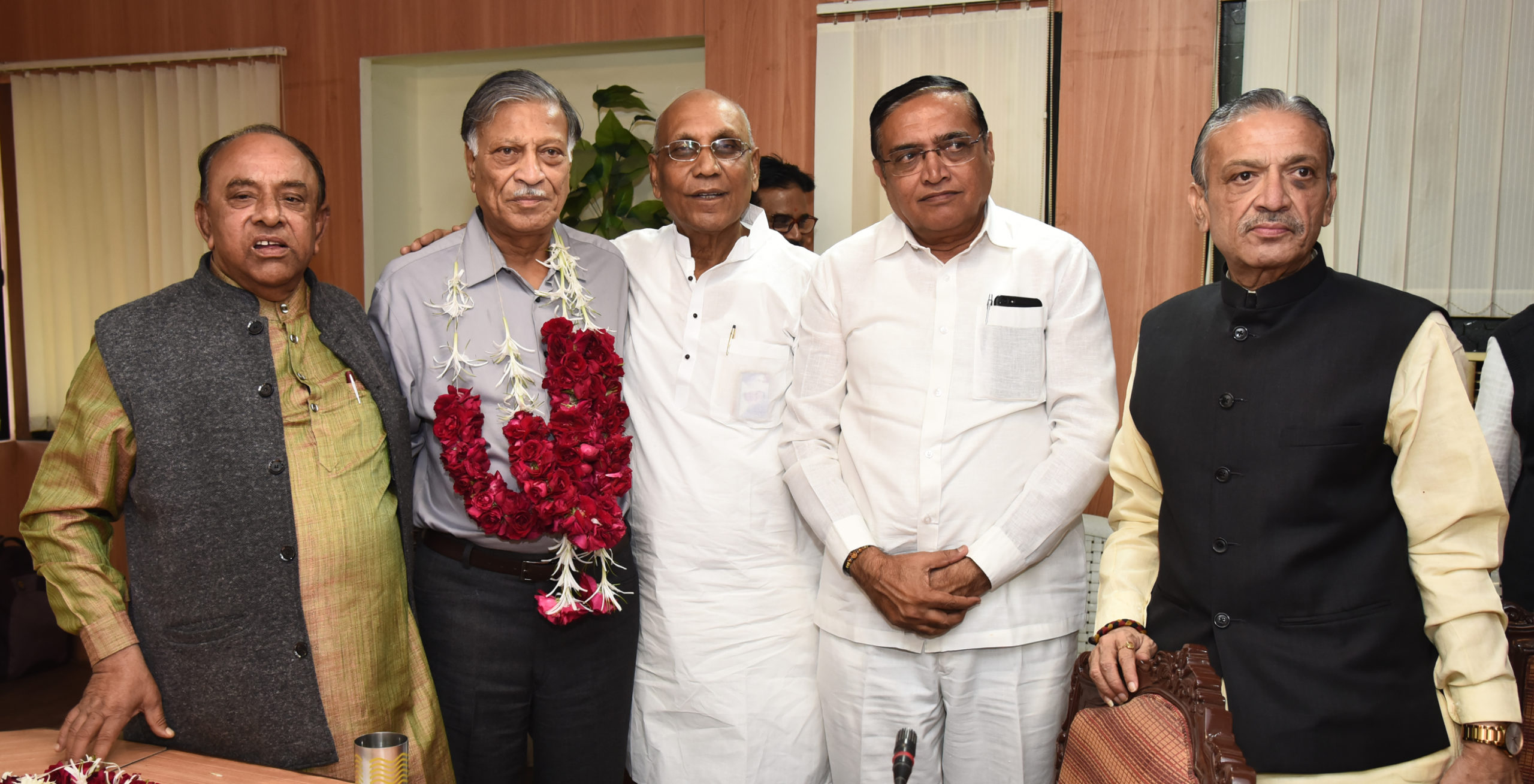 Photo of गुजरात स्टेट को-ऑप यूनियन: अमीन एक बार फिर बने अध्यक्ष