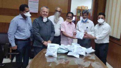 Photo of पुणे यूसीबी एसोसिएशन ने ससून अस्पताल को 200 पीपीई किट दी