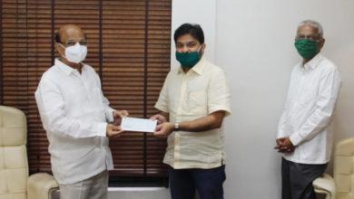 Photo of कोरोना-फाइट में आगे: अपना सहकारी बैंक ने दिया 40 लाख का दान