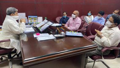 Photo of वर्मा ने अधिकारियों से किसानों को शीघ्र ऋण देने को कहा
